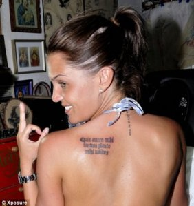 Best Vigina http://gallerybesttattoo.wordpress.com/2011/01/12/girl-back-tattoos/