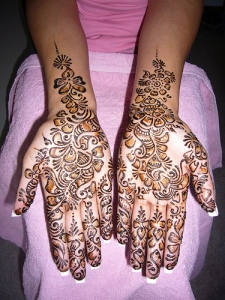 There are different henna (Mehndi) tattoo designs